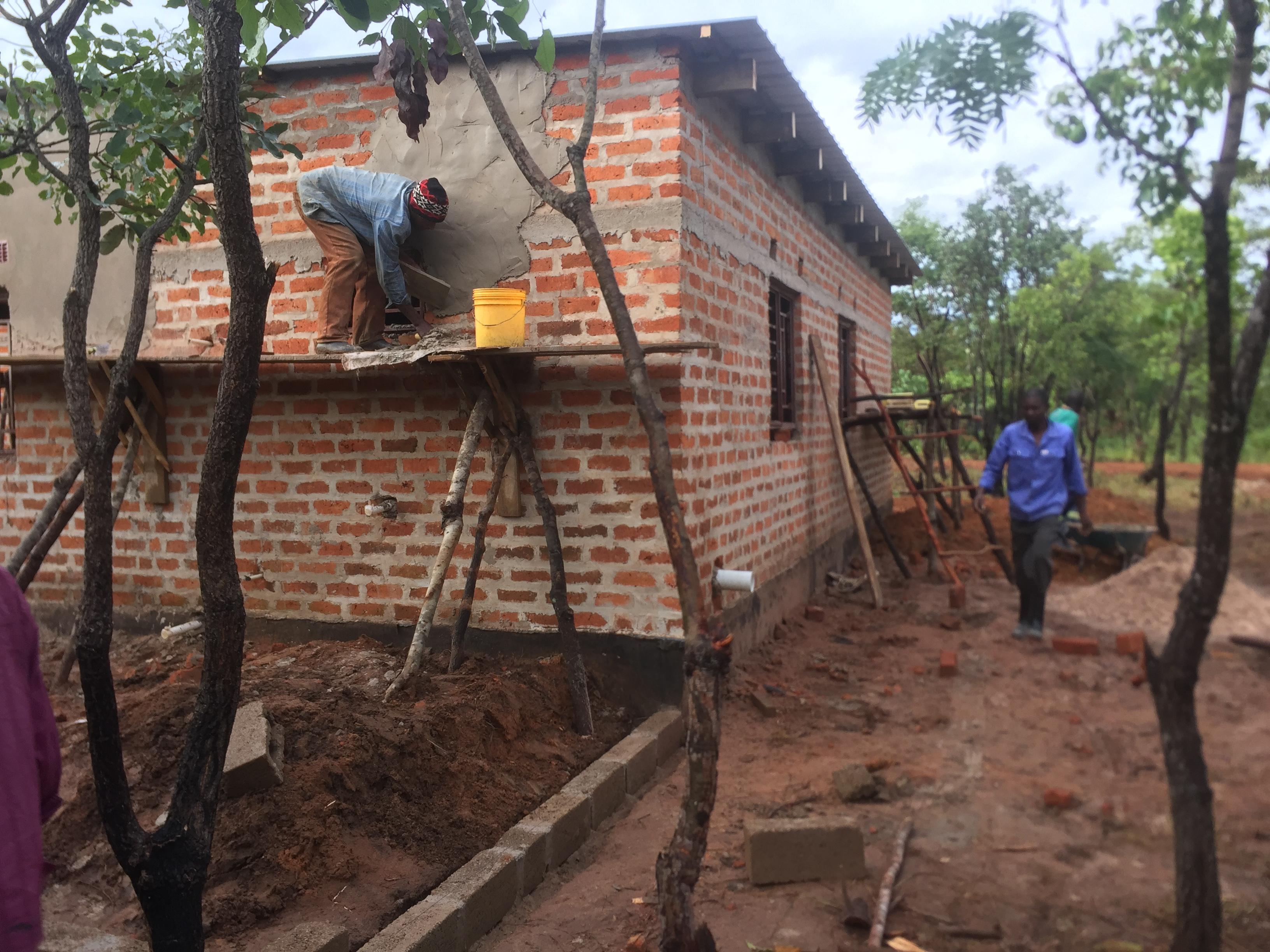 building Chilonga, photo: Desh Chisukulu