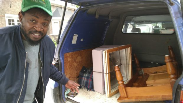 Desh collecting the solar cooker parts in Sliedrecht